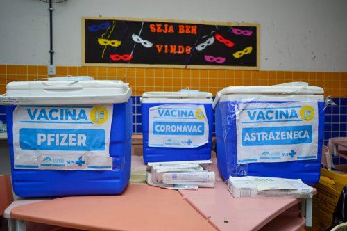 Vacinação Extramuros faz parada no bairro Santo Antônio
