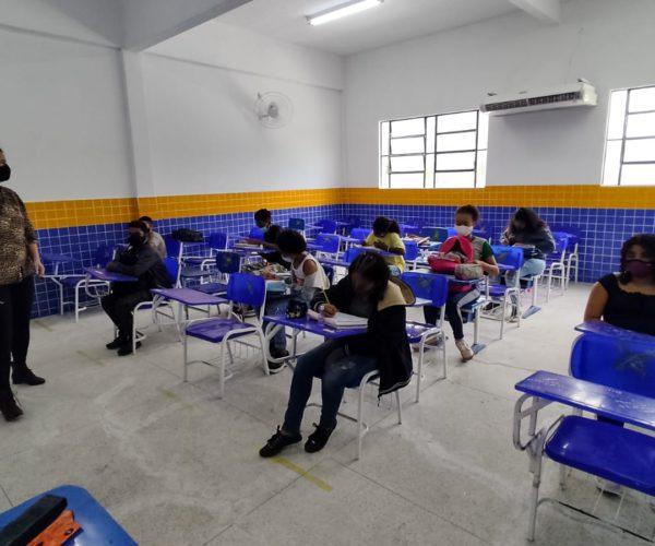 Volta às aulas: retorno tranquilo para sete mil alunos da rede de ensino de Japeri